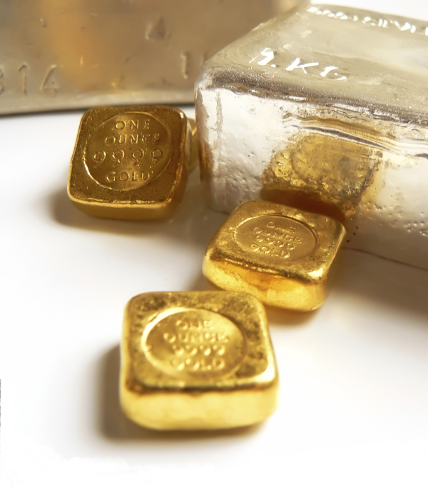 gold and silver bullion2 resized 600